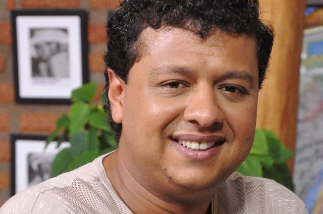 Rafael Santos vuelve a interpretar a Diomedes Díaz